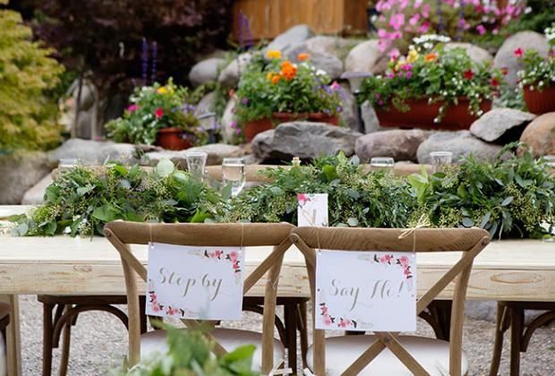 Ideas para decorar el jard n el d a de tu boda for Bodas sencillas en jardin