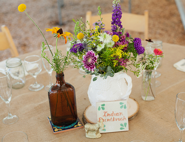 Flores en la Mesa para la Boda en el Jardin